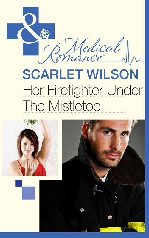 Scarlet Wilson Her Firefighter Under the Mistletoe